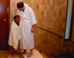 Pre-Shabbat Immersion, faher and son photo by Rebecca Sher (1)